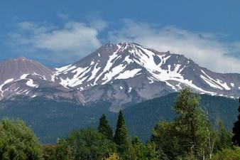 landschap sashta california usa mt vulkaanberg