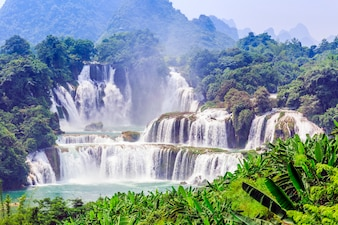 Landschappen schone cascade vakantie reis schilderachtig