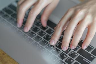 Laptop communicatie vinger één leven