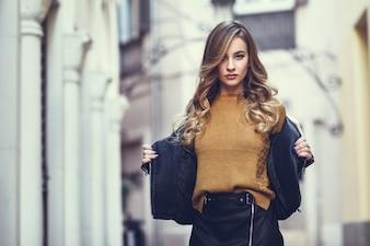 Leuk openlucht portret mode meisje