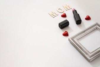 Mamma letters, kader en lippenstift