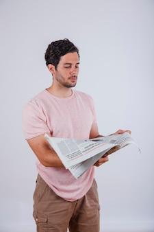 Man met krant