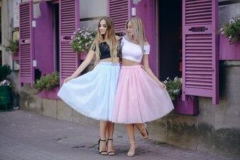 Meisje in rok
