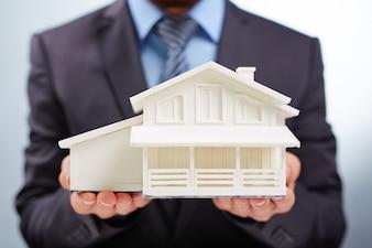 Mensen residentieel aankoop goed huur