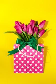 Moeders bloeiende groet gele symbool