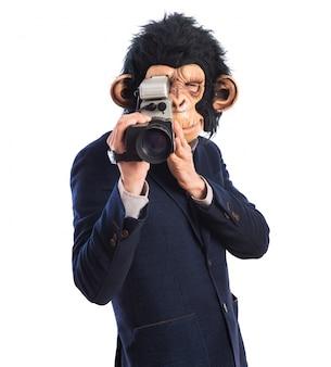 Monkey man met videocamera