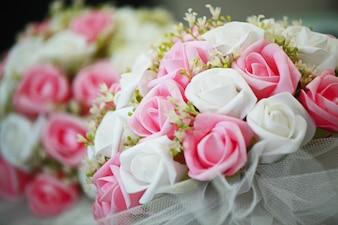 Mooi boeket met witte en roze bloemen