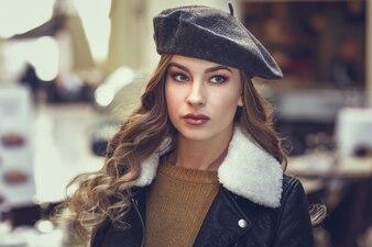 Mooie Russische schoonheid haar één