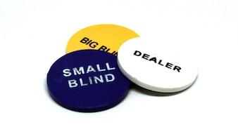 Poker dealer kleine en grote blinde chips