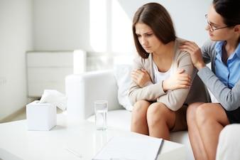 Psycholoog met een patiënt
