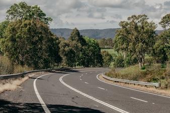 Rechts draai in een Australische weg.