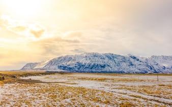 Road panorama koude landschappelijke vreedzame