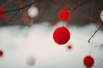 Rode en witte bal decoratie