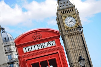 Rode telefooncel en de Big Ben in Londen