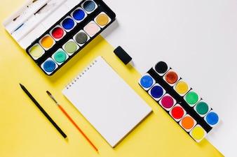 Schetsboek en aquarel