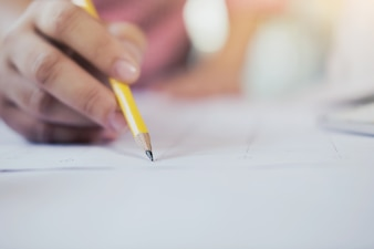 Schrijfnota, bedrijfs- en educatieconcept.