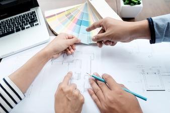 Selecteer kleurvormsvlek voor huisproject.