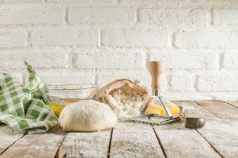 Set van ingrediënten voor het deeg voor te bereiden