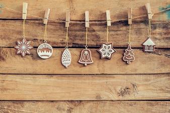 Sier Kerst decoratie hangend op houten voor Kerst achtergrond met ruimte