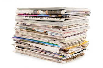 Stapel van oude kranten en tijdschriften