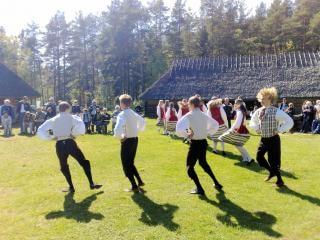 Traditionele dans Tallin zomer