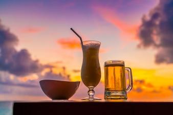 Tropische waterdruppels druppels gezondheid kustlijn