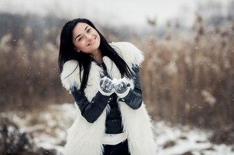 Trui mode gelukkige jonge winter mooi