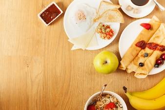 Verscheidenheid aan eten voor ontbijt