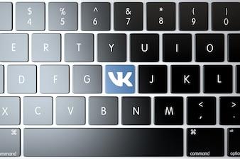 Vkontakte pictogram op laptop toetsenbord. Technologie concept