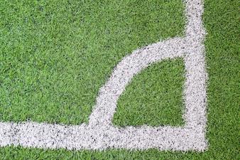 Voetbal (voetbal) veld hoek met witte markeringen