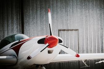 Voorzijde propellervliegtuig