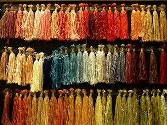 Weven zijden draad koppelverkoop garen ruwe gekleurd