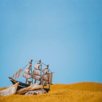 Zeilboot strand vectoren foto 39 s en psd bestanden gratis for Decoratie zeilboot