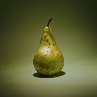 Zoet fruit vers groene witte achtergrond voedsel