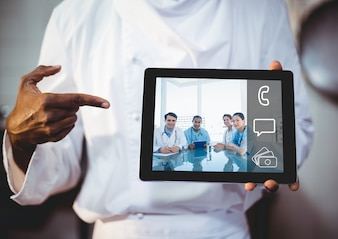 Zwarte mannelijke tablet Aziatische grafische
