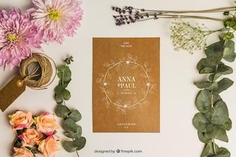 Kantoorartikelen bruiloft mockup met karton