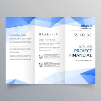 Blauwe driehoek vorm trifold brochure ontwerp sjabloon