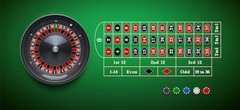 Casino roulette wiel met chips geïsoleerd op groene tafel reali