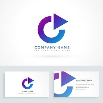 Cirkel pijl driehoek logo design met visitekaartje