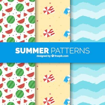 Decoratieve zomerpatronen in vlakke vormgeving
