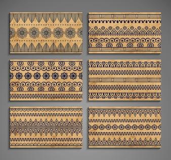 Etnische kaarten met ornamenten
