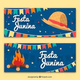 Festa junina banners met hoed en vreugdevuur