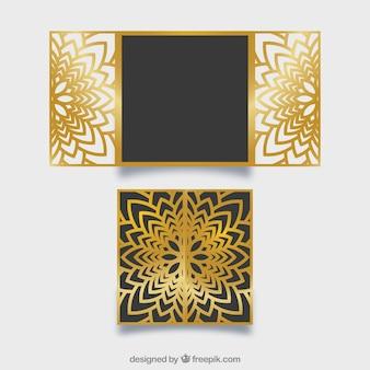Mooie bloemen gouden laser gesneden uitnodiging