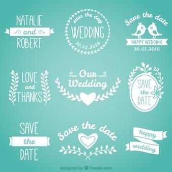 Mooie bruiloft badges in witte kleur