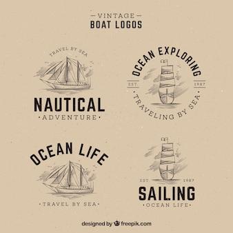 Pak van de hand getekende boot logo's in vintage