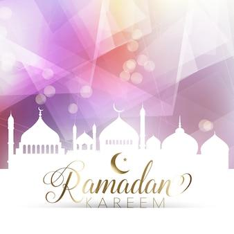 Ramadan poster met laag poly ontwerp en silhouet van moskeeën