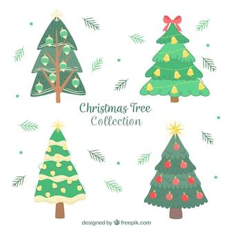 Set hand getekende kerstbomen