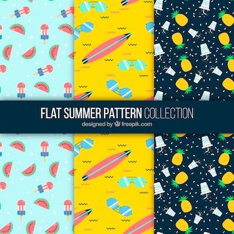 Set van drie patronen met zomerelementen in vlakke vormgeving