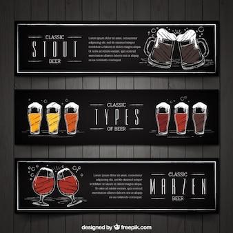 Set van drie vintage met de hand beschilderd bier banners