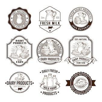 Set van vectorillustraties, badges, stickers, labels, postzegels voor melk en zuivelproducten